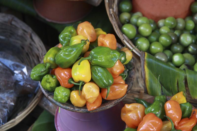 Dicembre 2011 – Silvana Vici – Il mercato di Chichicastenago